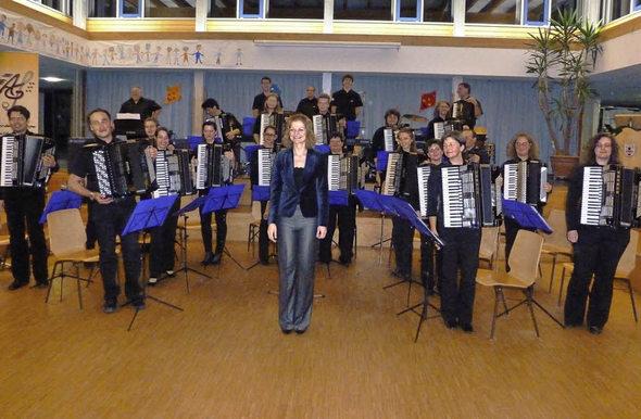 Sie boten eine perfekte Leistung: die Musiker der Akkordeongruppe Münstertal unter der Leitung von Silke D'Inka. Foto: Eberhard Gross