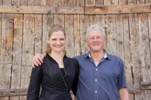 Dirigentin Silke D'Inka und Vorstand Trudpert Beckert